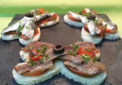 Tostadas de anchoas y sardinas de Fernando