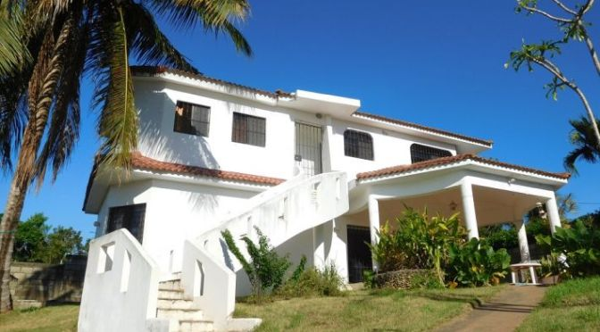 *BARGAIN* … Villa with 3 apartments and pool …