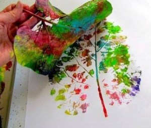 Leaf_Printing_6 Fun Autumn Activities that Toddlers and Kids will Love _Cotswold baby_Co
