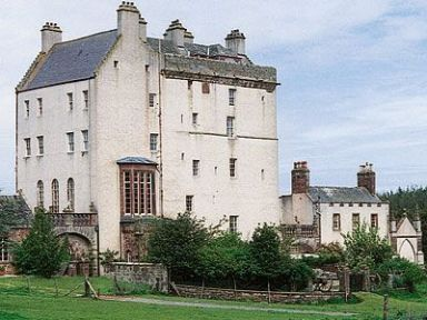 Symbister Suite, Delgatie Castle, Turriff. Ref. B4267. Delgatie Castle sits peacefully amid fields and forests, on a large country estate. It has a long and chequered history, dating back from 1050 and was once home to the late Captain Hay - a feudal baron. http://bit.ly/1cqQjCj.