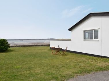 25% off West Lawn, Anglesey. Was £1061.00 Now £804.75. Available on: 19-04-2014 for 7 nights. Sleeps 7 and 2 pets. Info: http://bit.ly/1pHlaNl.