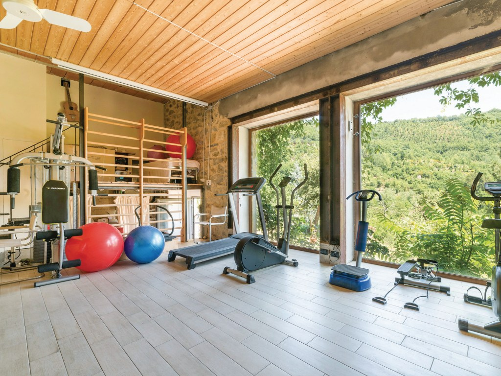 Holiday with a gym in Italy