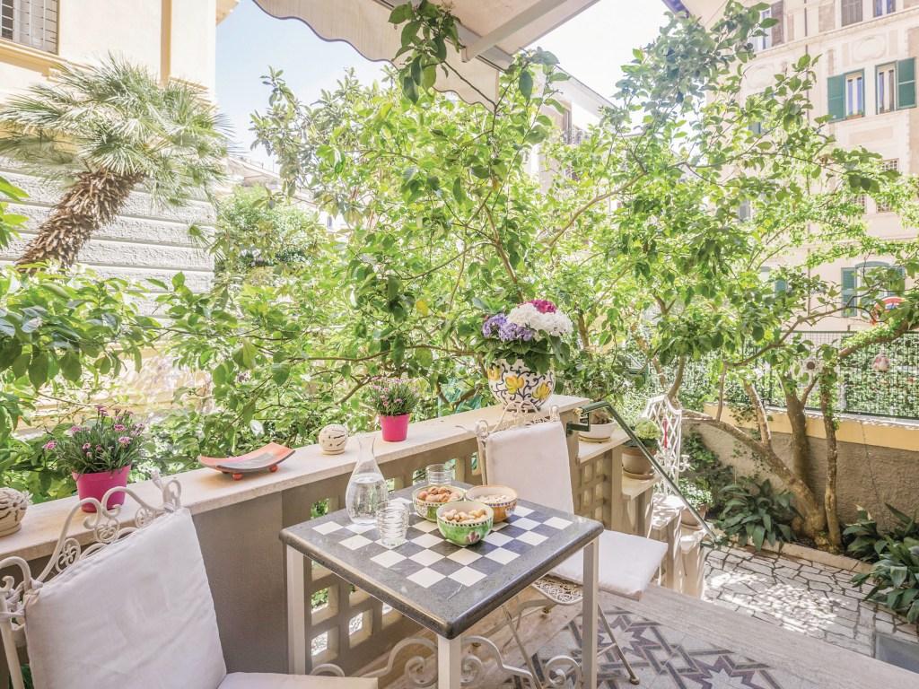 https://www.cottages.com/cottages/appartamento-della-cittagrave-iro196