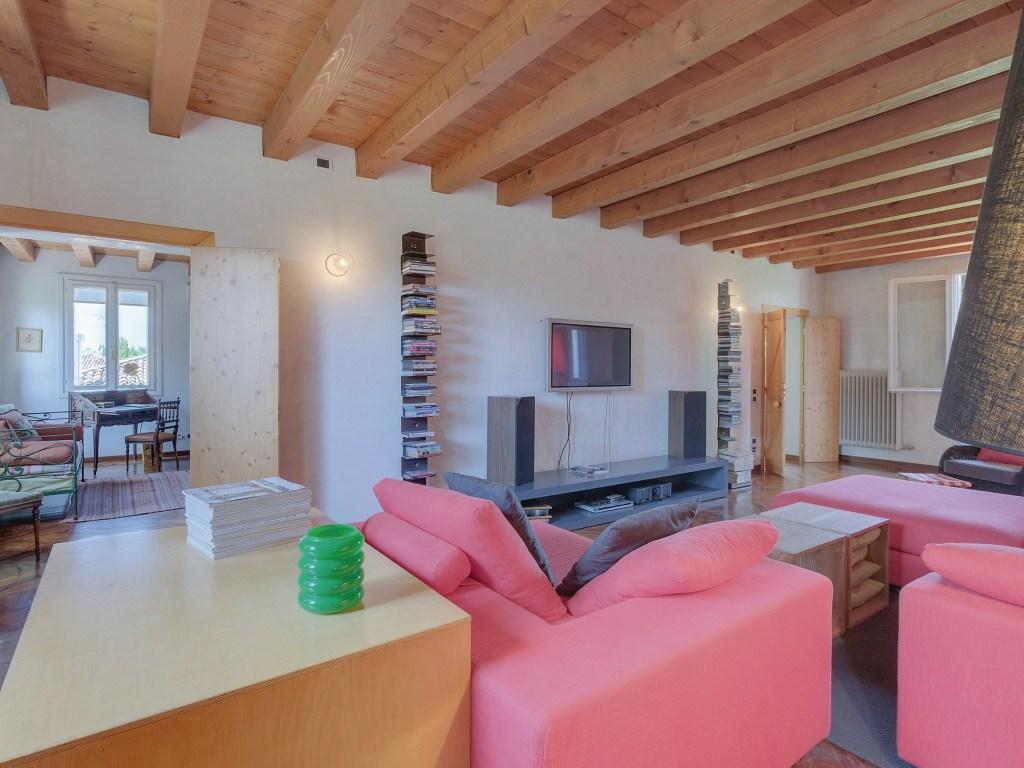 https://www.cottages.com/cottages/villa-regis-1842-ivc266