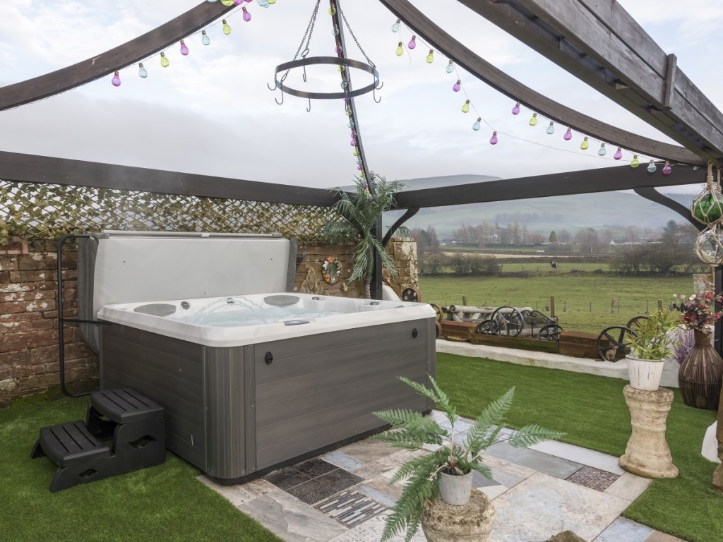 Cumbrian hot tub