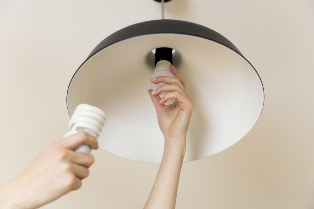 Change lightbulb