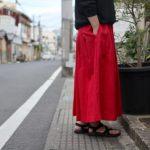 これからの季節にとっておきなスカート!!お気に入りのトップスと合わせたいina(イナ)ウエスト紐タックスカート♪