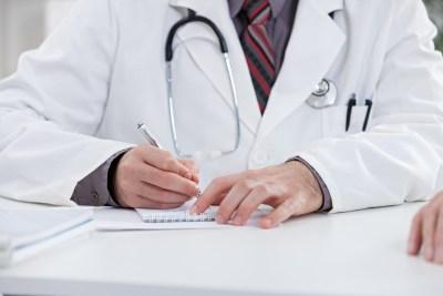 Alunos de Medicina só obterão diploma após prova do MEC