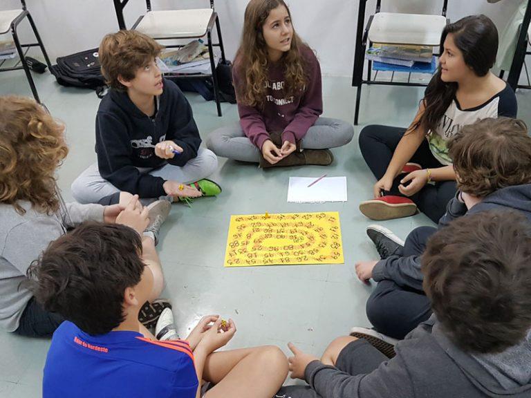 Jogo matemático ensina conceitos da divisão