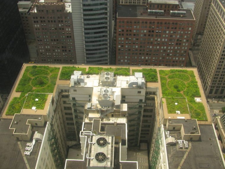 Aerial view of Chicago City Hall