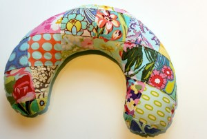 sew-christmas-gifts-travel-neck-pillow