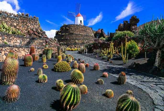 Lanzarote, Spain – A Stunning Otherworldly Destination