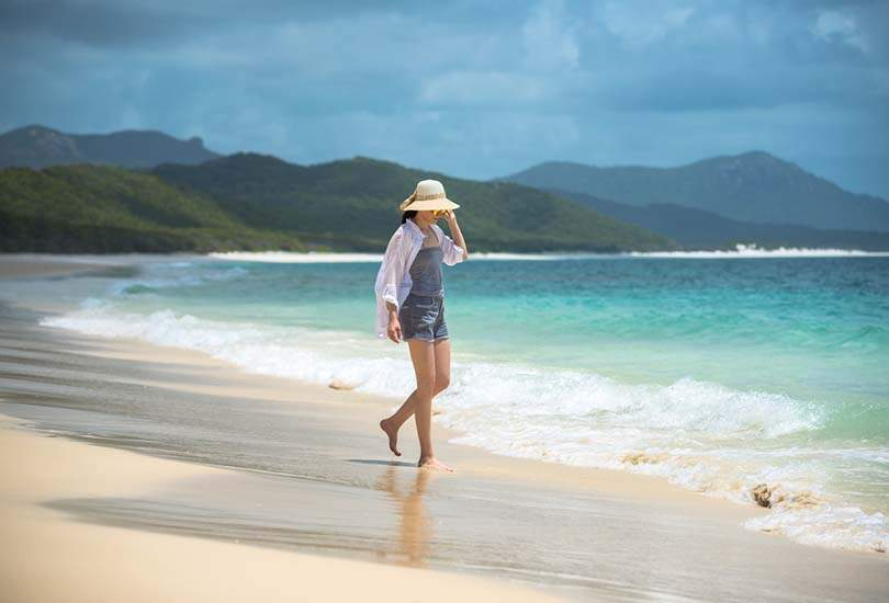 Relax at Whitehaven Beach of Whitsunday Islands