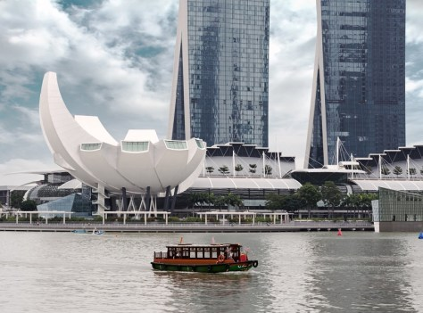 ENJOY A CRUISE RIDE ON SINGAPORE RIVER
