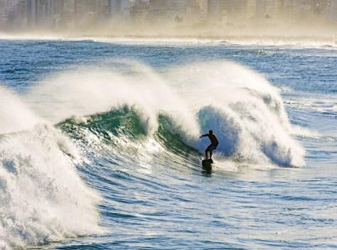RIDE THE WAVES AT ARPOADOR