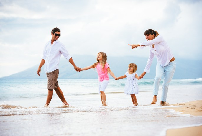 Family travelling at leisure