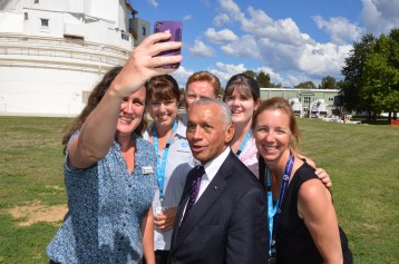 A 'behind the camera' view of the Ellen Selfie attempt by CSIRO and NASA staff with Charles Bolden.