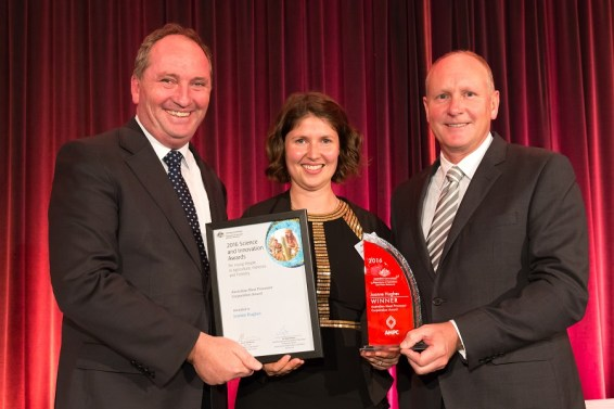 The Hon Barnaby Joyce, Minister for Agriculture, CSIRO's Joanne Hughes, and Dr Kim Ritman, Chief Scientist at Department of Agriculture and Water Resources. Image credit - Steve Keough.