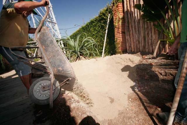 Areia para proteção da manta no lago ornamental passo a passo