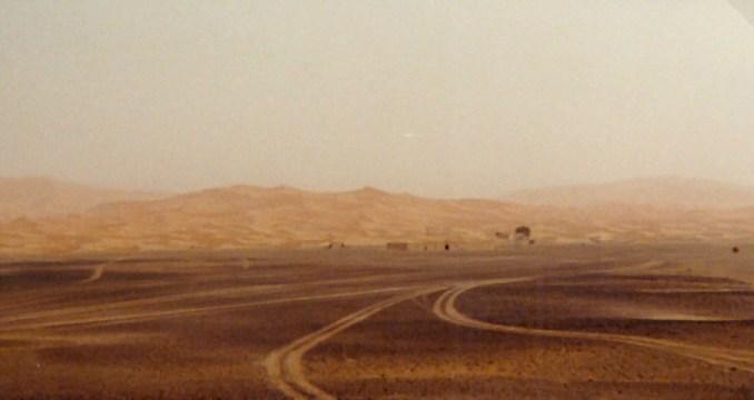 Dans le désert marocain, des voies multiples...
