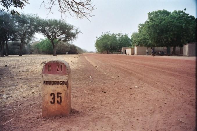 Pouni - La piste de Koudougou à Semaga