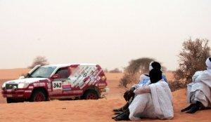 Le Dakar sous les yeux des autochtones
