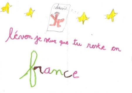 Les élèves de l'école ont fait des dessins pour Artem et Levon