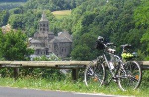 A l'église pour un vélo...