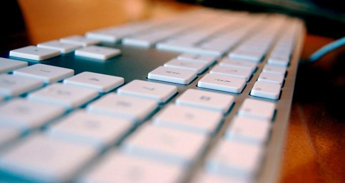 Je suis un intermittent du clavier.