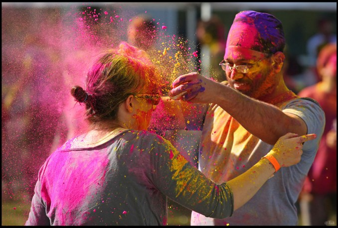 Colorful splash, Holi, the Festival of Colors de rickz, sur Flickr