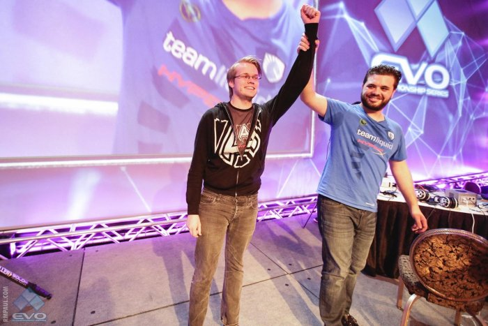armada-is-the-evo-2015-champion