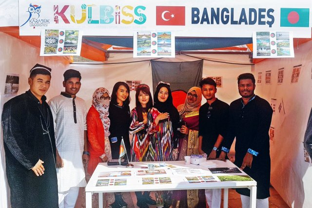 DIU Students Participated in a Cultural Exchange Festival