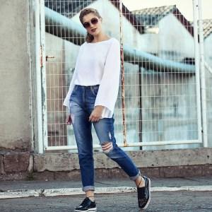 Conheça a moda da calça mom jeans