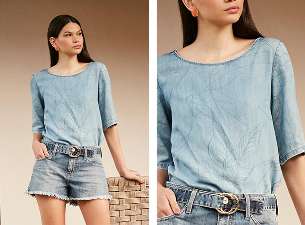 blusa jeans claro com estampa em azul de folhagens