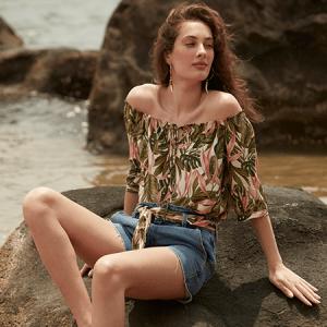 Floral e jeans: o match perfeito para o seu verão