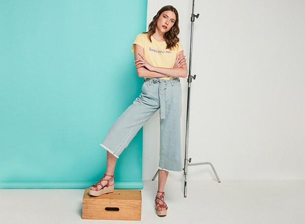 Pantacourt em jeans delavê
