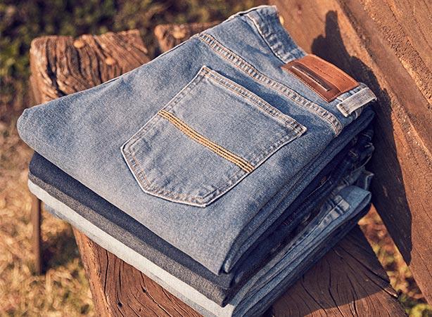 Jeans do azul claro ao azul escuro
