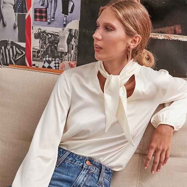 Calça em denim e blusa branca