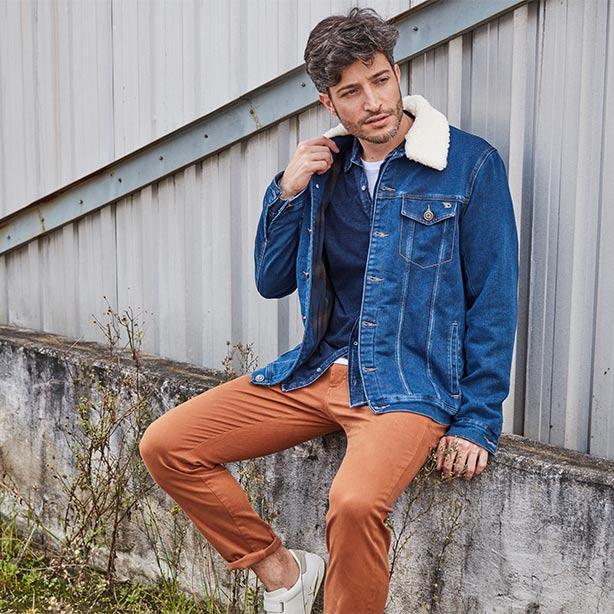 Jaqueta jeans masculina com gola de pelo