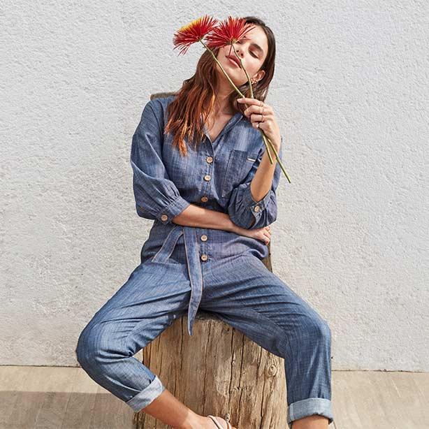 Macacão em jeans sustentável