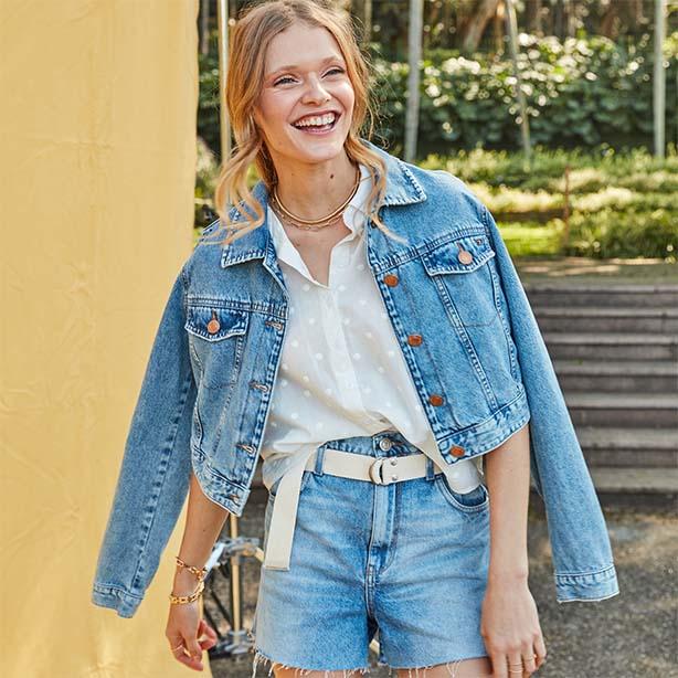 Jaqueta curta com short jeans