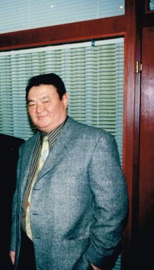 Саясаткер Заманбек Нұрқаділов.