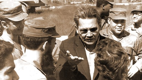 Bauyrzhan Momyshuly gives a lecture to Cuban soldiers, 1963.