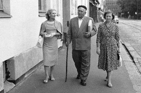 Эве Киви, Александр Птушко и его возлюбленная - звукооператор Мария Бляхина. Хельсинки, 1958.