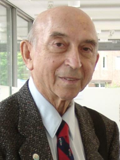 Калифорния университетінің профессоры Лютфи Әскер Заде, 2004 жылы.