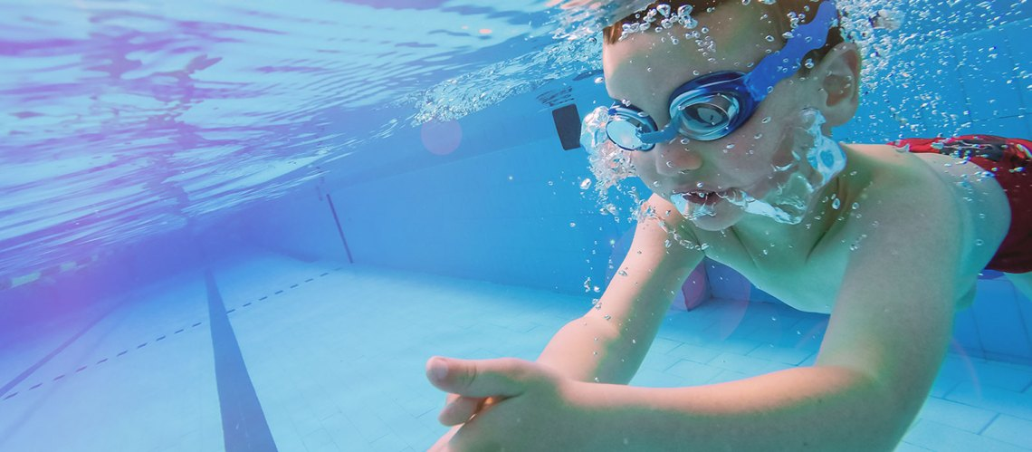 10-reasons-to-get-your-children-swimming