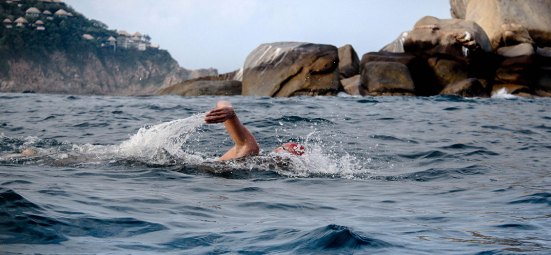 swimmer-in-the-sea