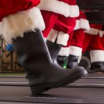santas-on-treadmill