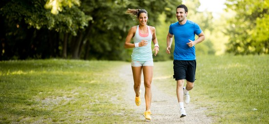 couple-running-in-park