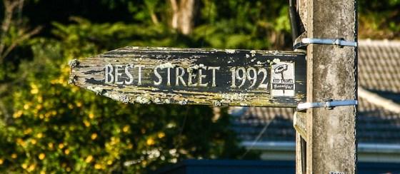 Tararu street sign